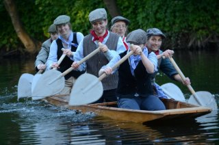 Coal trimmers paddlers